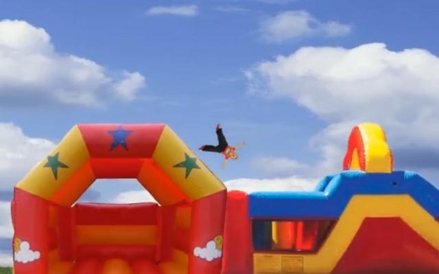 """Screenshot of """"Bouncycastleicious"""""""